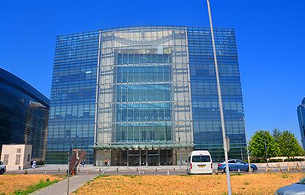 Главный вход в здание ТОО
