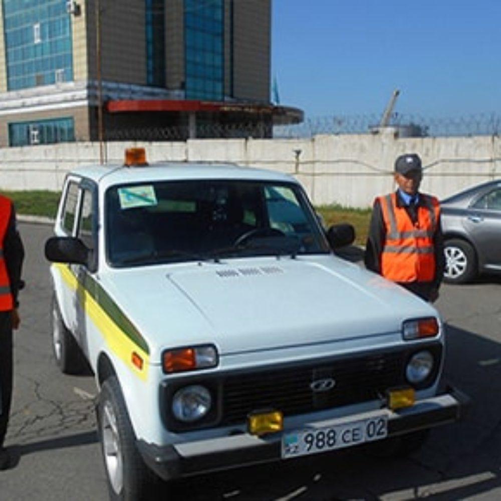 Строевой смотр служебного автотранспорта сопровождени