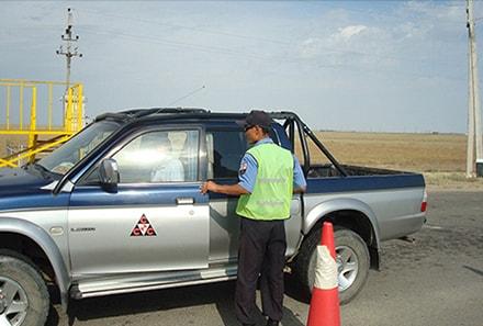 Осмотр въезжающего автотранспорта на объект ТОО РТИ АНПЗ